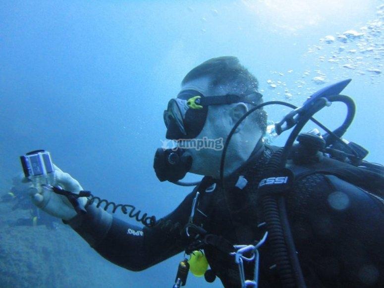 Haciendo fotos submarinas