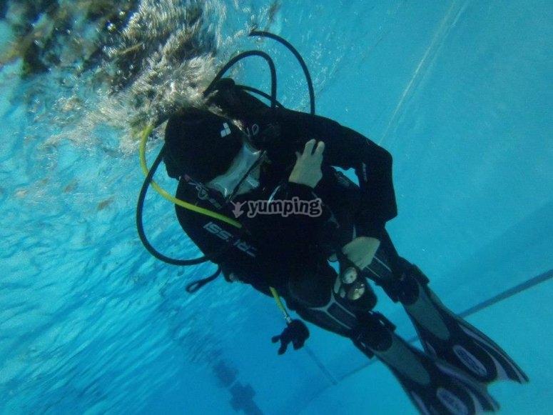 Pool diving training