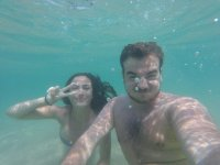 Pareja bajo el agua