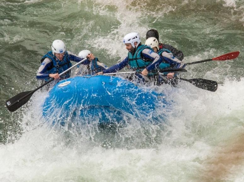 Adrenalina en Rafting