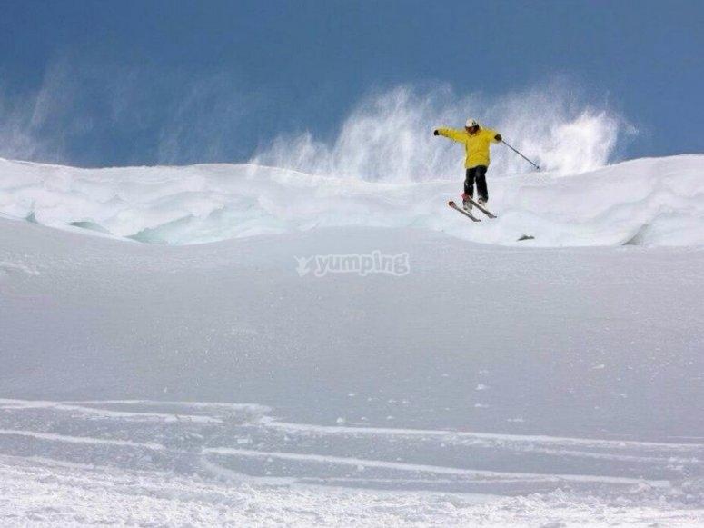 Ven a saltar a la nieve