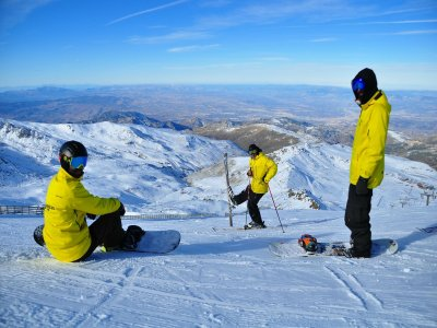 Curso de snowboard + material en Pradollano 2 días