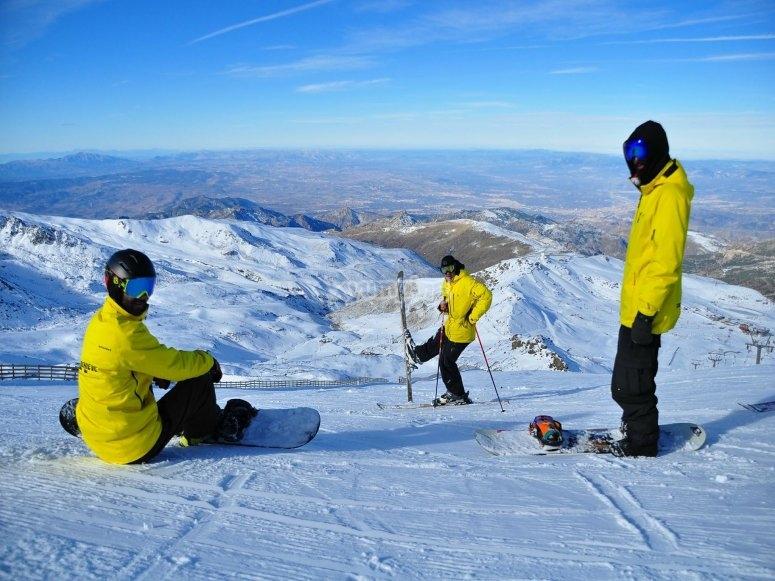Snowboard classes for beginners in Sierra Nevada