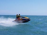 Acelerando en la moto nautica