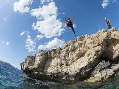 Cliff jumping en acantilados mallorquines 2,5h