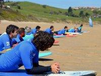 Aprendiendo surf desde la playa