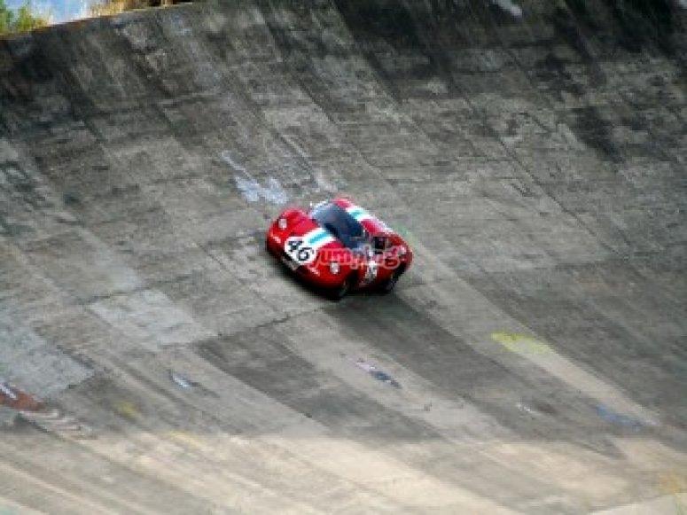 Puoi guidare una Ferrari