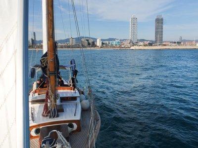 乘坐帆船从奥林匹克港出发3小时
