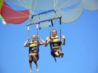 Volando en el parascending