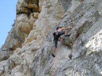 Arrampicare su roccia naturale