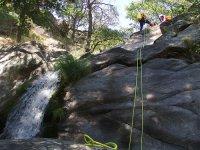 descendiendo por el barranco de la sierra de almijara