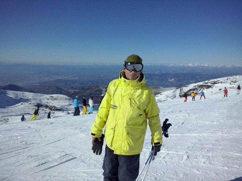 Instructor at the ski runs in Sierra Nevada