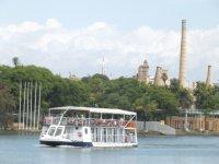 Barco por el Guadalquivir