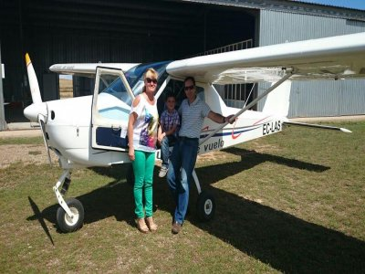 40min flight baptism: light aircraft in Catalonia