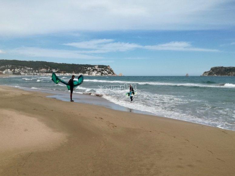 Learning how to kitesurf