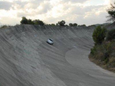 在Barberà赛道上驾驶法拉利和保时捷