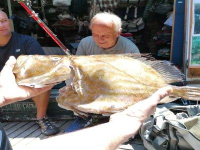 Classe di pesca sulla costa + noleggio attrezzatura