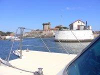 Entrando en el puerto de Sokoa en la costa francesa