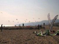 Castelldefels的风筝冲浪课程,为期4天