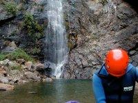 享受峡谷漂流