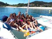Addio femminile in catamarano