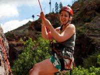Canariaventura女孩在他们的第一个登山运动