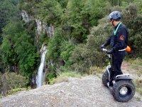 Viendo la cascada desde el segway