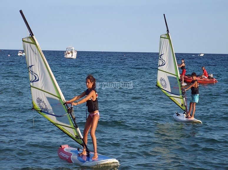 Windsurf en la costa