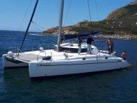 A bordo del catamaran en Galicia