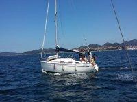 Bavaria navegando en Galicia