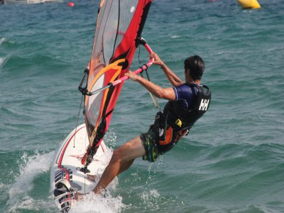 Initiation to Windsurfing session in S'Agaró