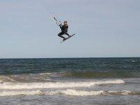 Pratica il kitesurf molto vicino a Valencia
