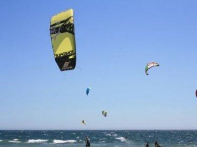 在塔里法的风筝冲浪洗礼课程