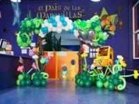 Deco-globo en El País de las Maravillas.