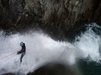 Desciende por las cascadas acuaticas