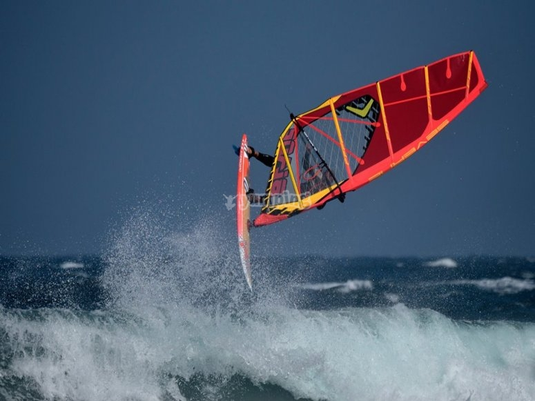 Acrobacia de windsurf