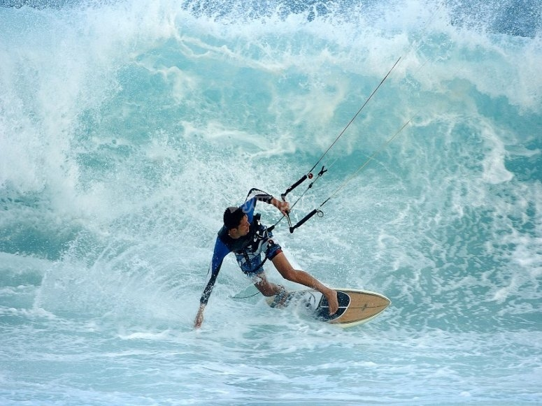 Gran sesión de kitesurf