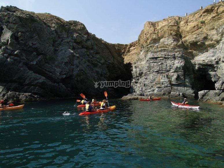 Kayaks por los acantilados
