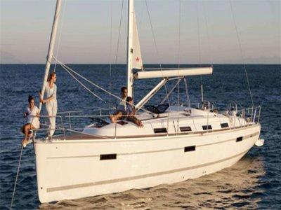从伊维萨岛9月21日至10月16日在帆船上度过一天