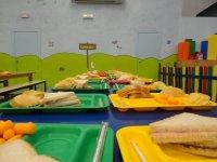 Merienda en el parque infantil