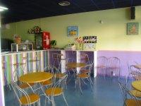 Cafeteria y espacio para padres