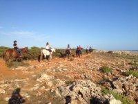 Zona rocosa montando a caballo