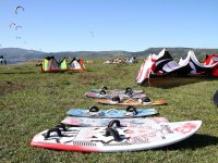 Preparing the day of kitesurfing