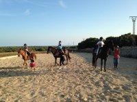 Juegos a caballo con los chiquitines