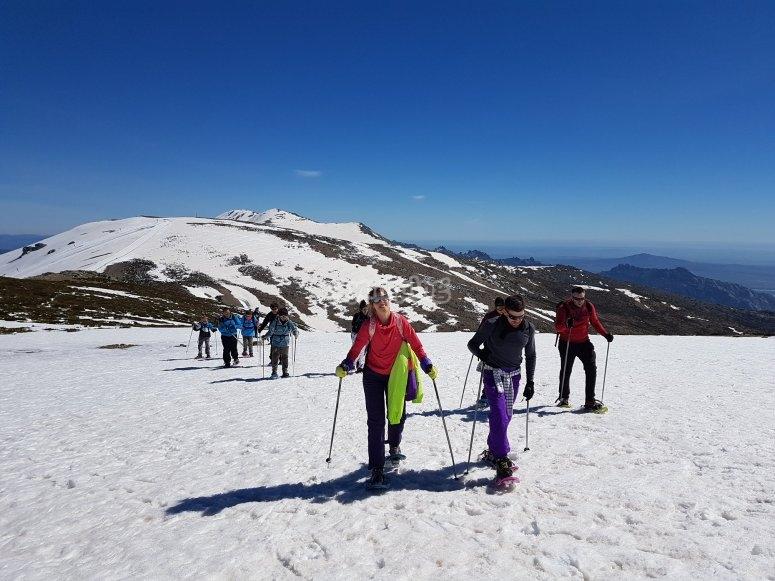 Paseo con raquetas de nieve glaciar de Peñalara