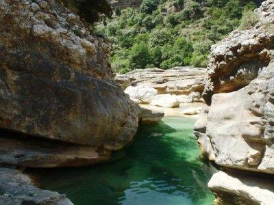 在Oscuros del Balced  -  Sierra Guara溪降