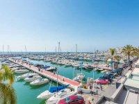 Puerto Banús y sus barcos