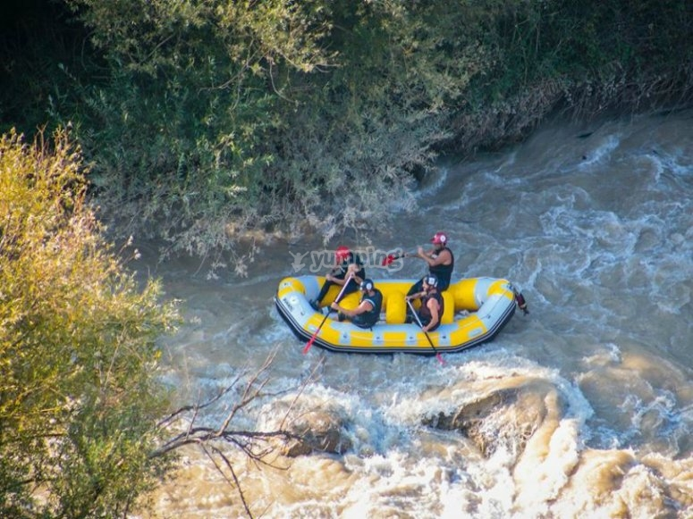 Level III rafting in Benameji