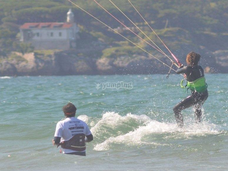 Aprende kitesurf en Cantabria