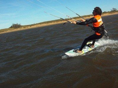 Curso de kitesurf en Cantabria 2 horas